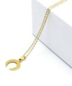 Χρυσό κολιέ με κρεμαστό πέταλο