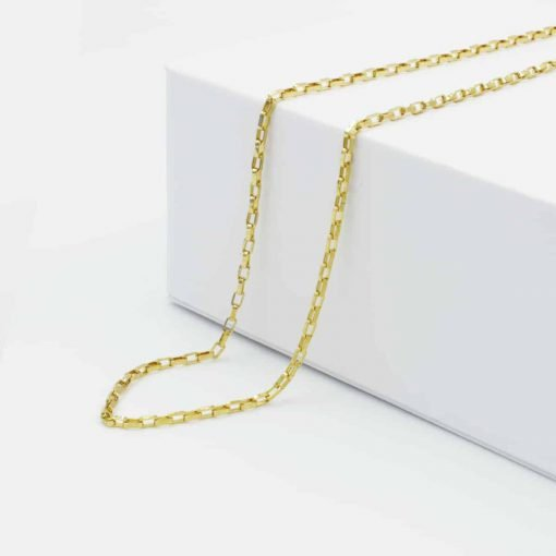 Χρυσή αλυσίδα με τετραγωνισμένες ενώσεις