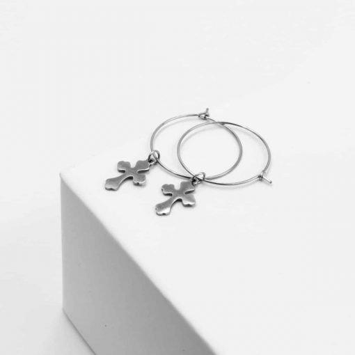 Ασημί σκουλαρίκια κρίκοι με κρεμαστό σταυρό