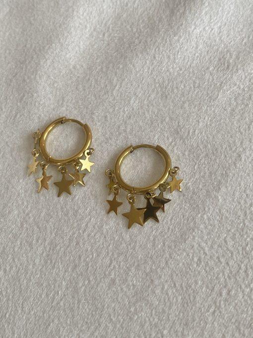 Χρυσοί κρίκοι με κρεμαστά αστεράκια